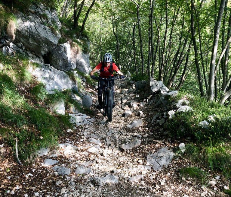 Ab dem Dosso dei Roveri wurde es krass, der Trail war voller Geröll und technisch anpruchsvoll.